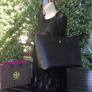 Tory Burch Tote Perry in black pebble leather